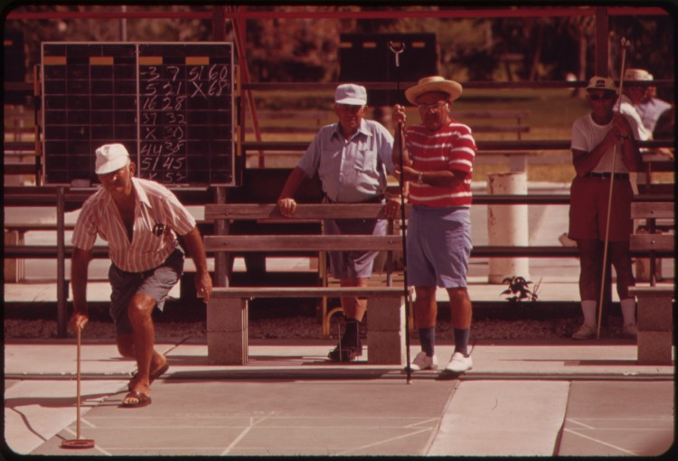 Photograph_of_Shuffleboard_at_the_Century_Village_Retirement_Community_-_NARA_-_548567